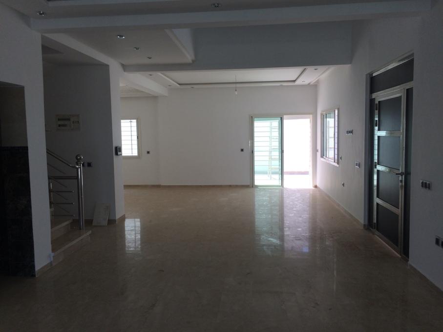 Villa neuve à louer à Rabat