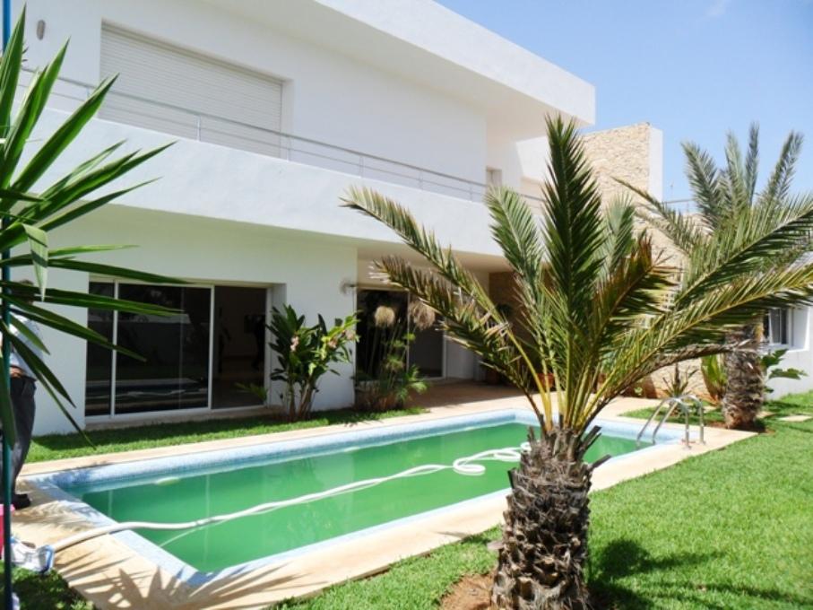 Villa avec piscine à louer à Souissi Rabat  Maroc