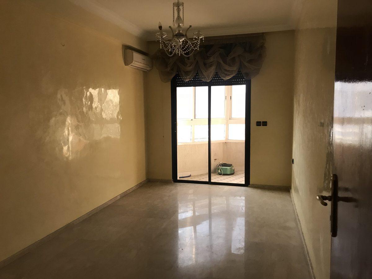 appartement vide à louer à Agdal rabat