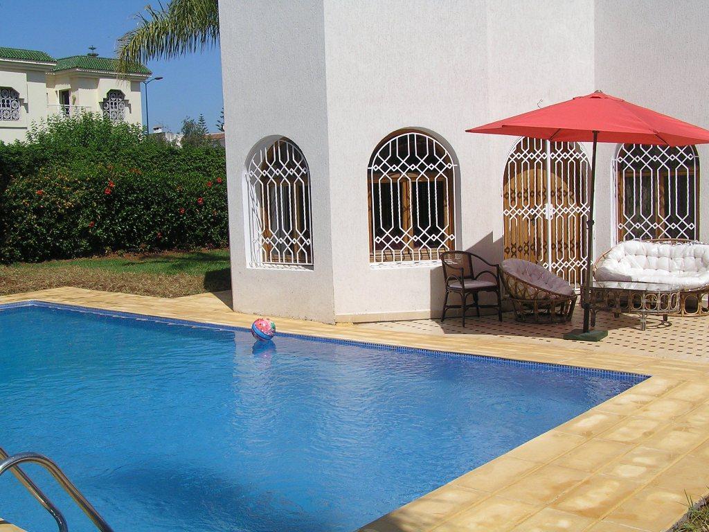 À rabat location villa meublée avec piscine,