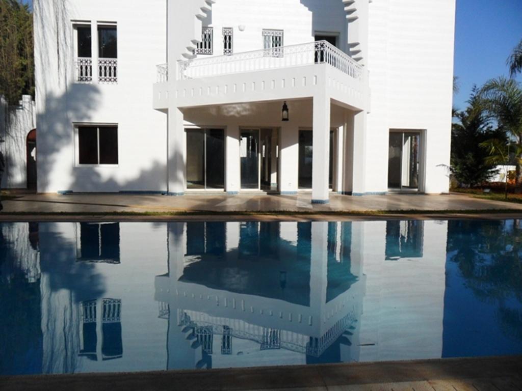 Villa haut standing à vendre à souissi les ambassadeurs RABAT