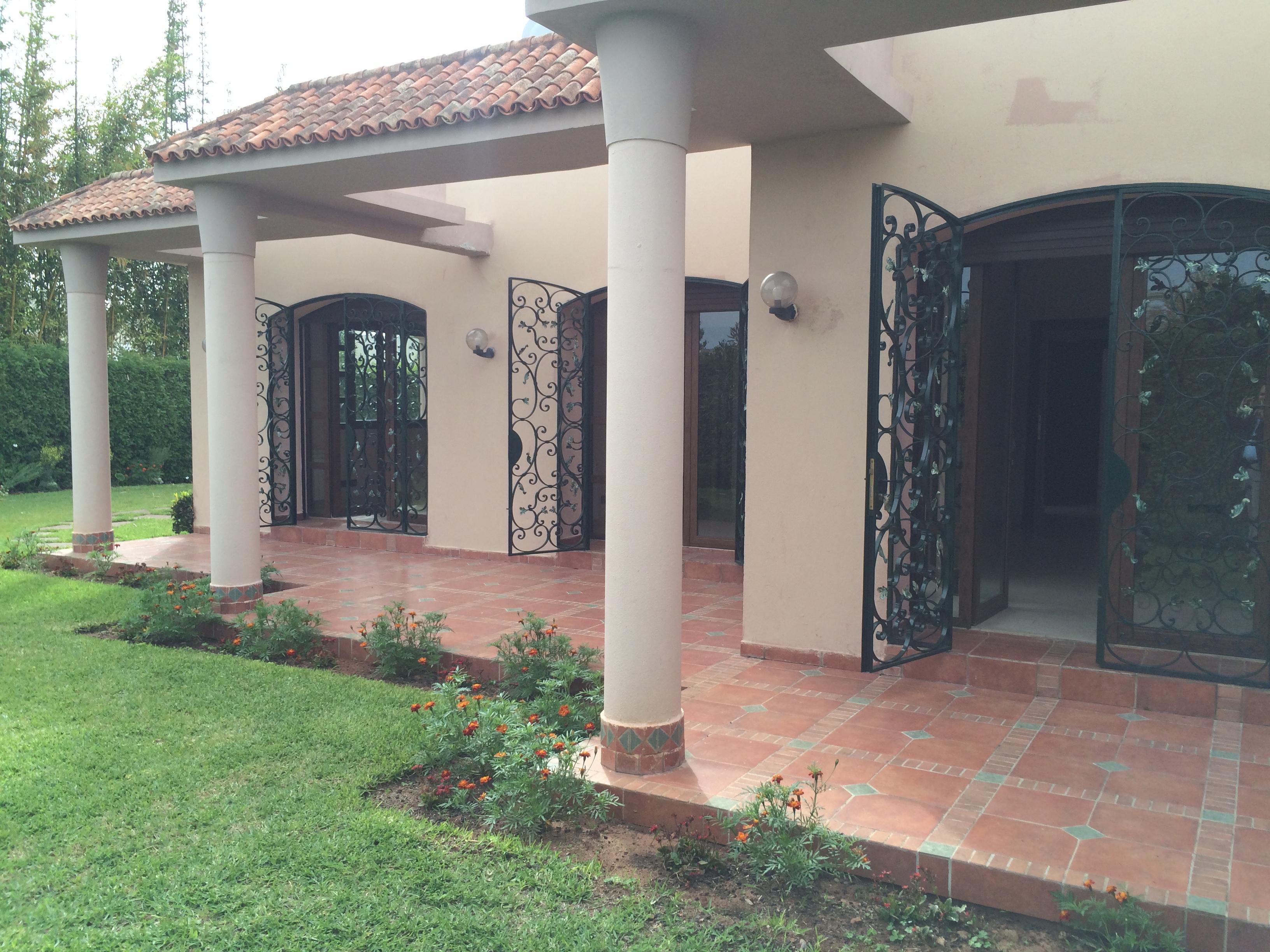 Villa à louer avec chauffage central à Souissi RABAT