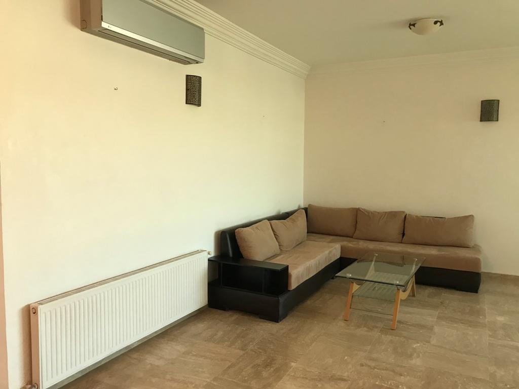 Location Appartement avec  chauffage central à Rabat à hay ryad