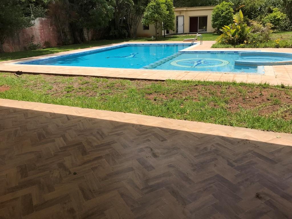 À louer Rabat villa avec chauffage central et piscine