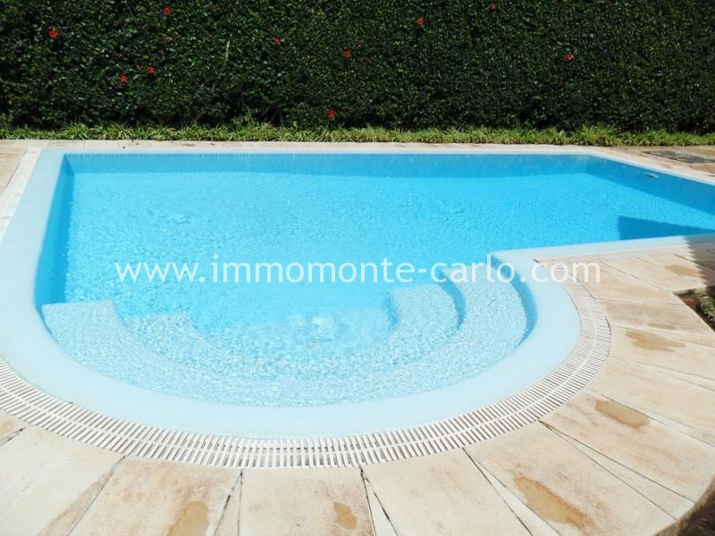 Villa meublée avec chauffage et  piscine à louer au quartier Souissi RABAT