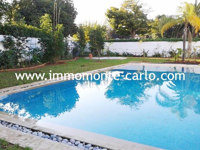 Location villa vide d'architecture moderne neuve avec piscine à louer à Souissi Rabat