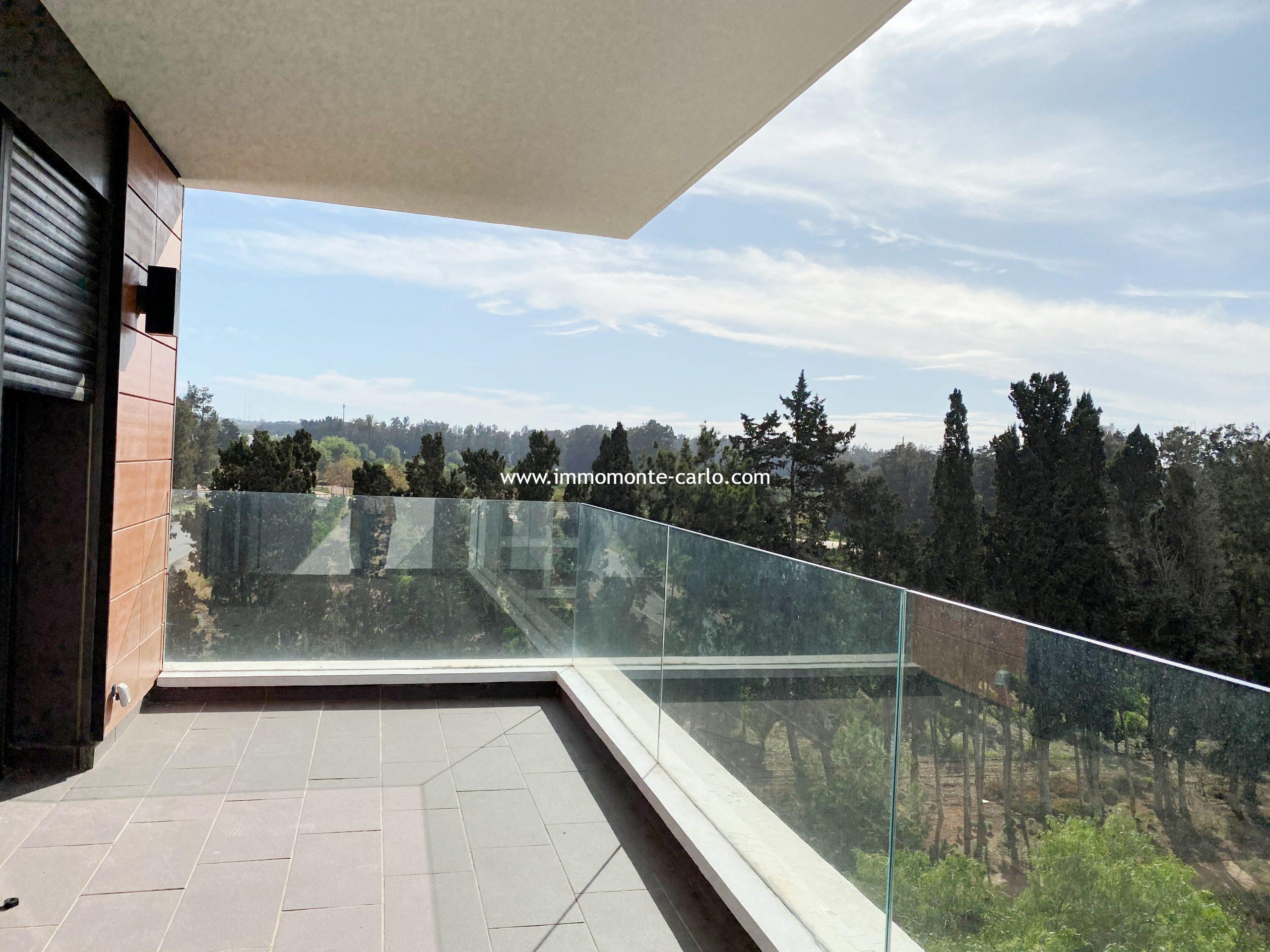 Superbe appartement à louer sans vis à vis avec grande terrasse à souissi rabat